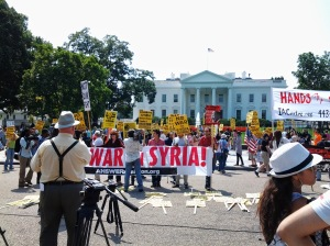 2013-08-31_Anti-war demo at the White House